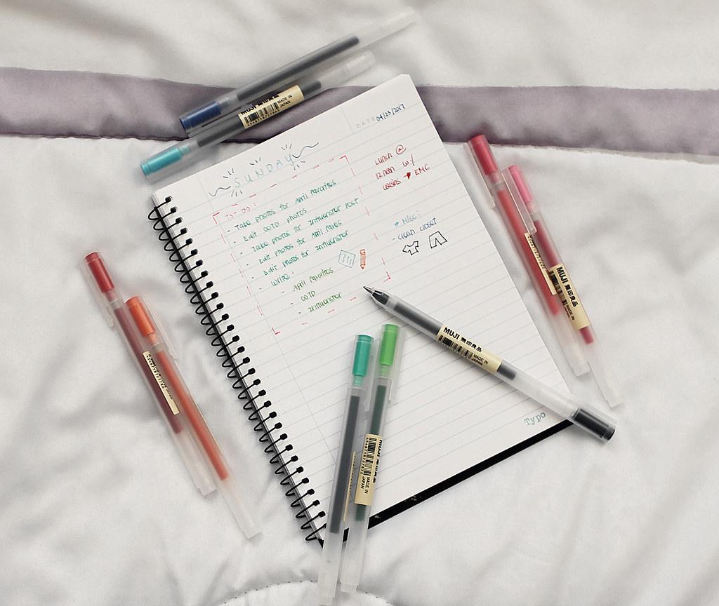 4110-muji-pens-stationary-lifestyle-japanese-clothestoyouuu-elizabeeetht-flatlay