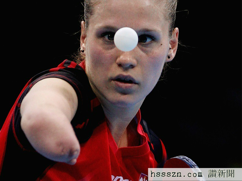 meet-the-incredible-one-handed-olympic-table-tennis-player-from-poland
