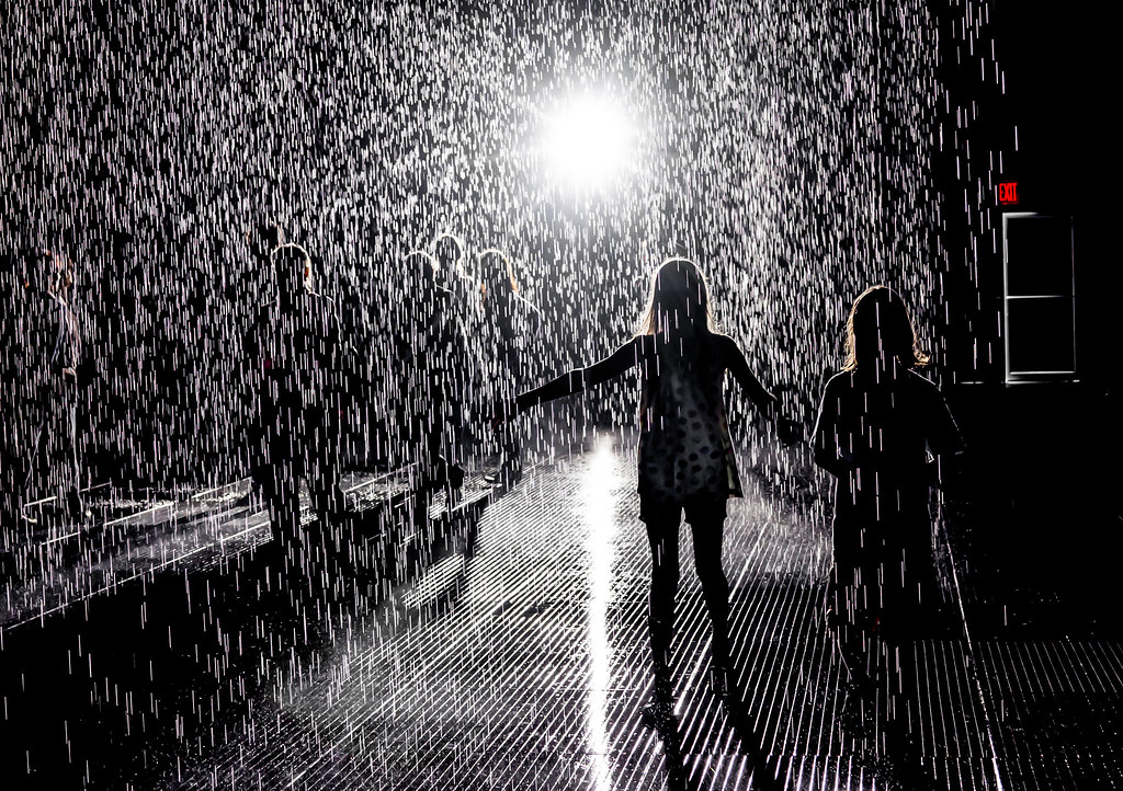 Rain Room | Rain Room exhibit at MOMA, by Random ...