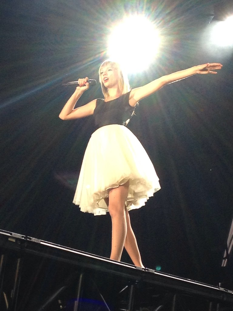 Taylor swift concert vancouver bc 2015