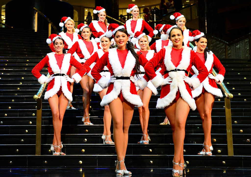 more christmas belles at crown more christmas belles at cr flickr rh flickr com more belle 意味