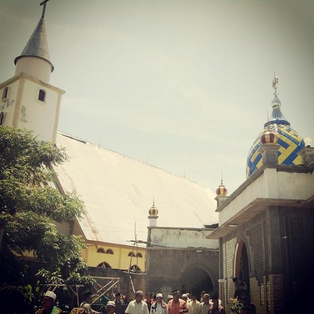 Mobile Camera Sidebyside Masjid Gereja Kupang Ntt K Flickr