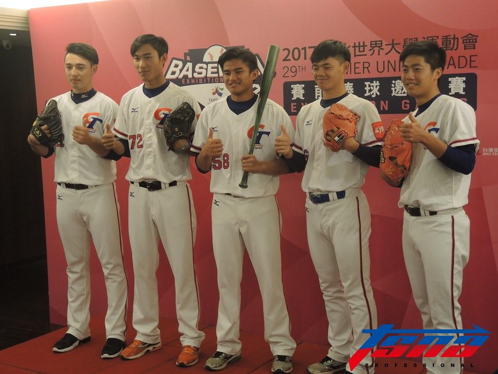 林安可(圖左起)、吳俊杰、岳東華、許凱翔與呂彥青。(張芷綺/攝)