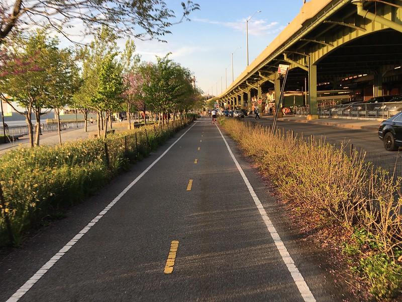 Riverside Bikepath - 3546
