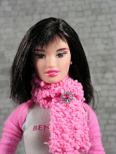 2005 Barbie Loves Benetton Fashion Fever United Colors of Benetton Paris J2253 (1)