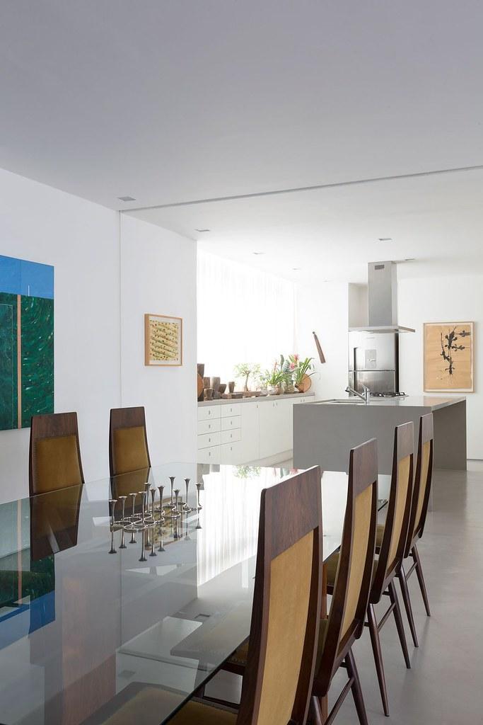 Apartment art in São Paulo by Brazilian architect Felipe Hess Sundeno_08
