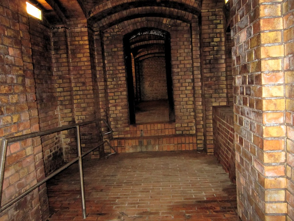 Kronleuchtersaal ~ Besuch im kronleuchtersaal der kölner kanalisation flickr