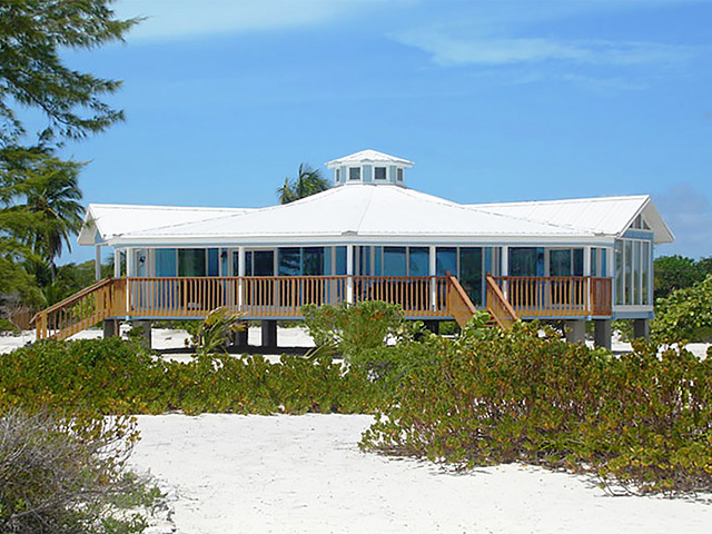 Topsider Homes Short Pier Stilt House Built On Bahama Isla