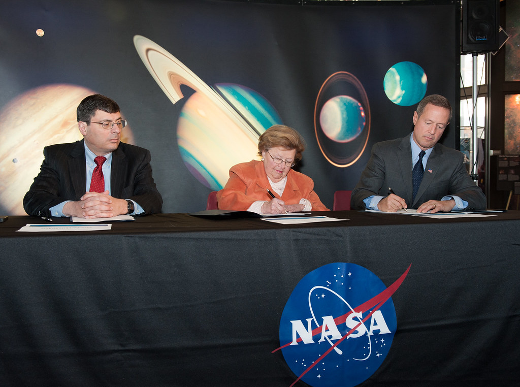 MOU Signing with Senator Mikulski at NASA | MOU Signing ...