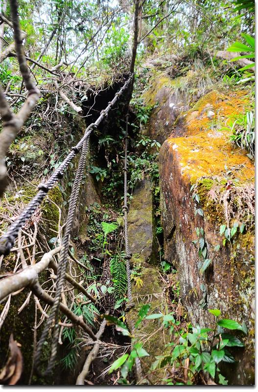 尖石山峭壁段