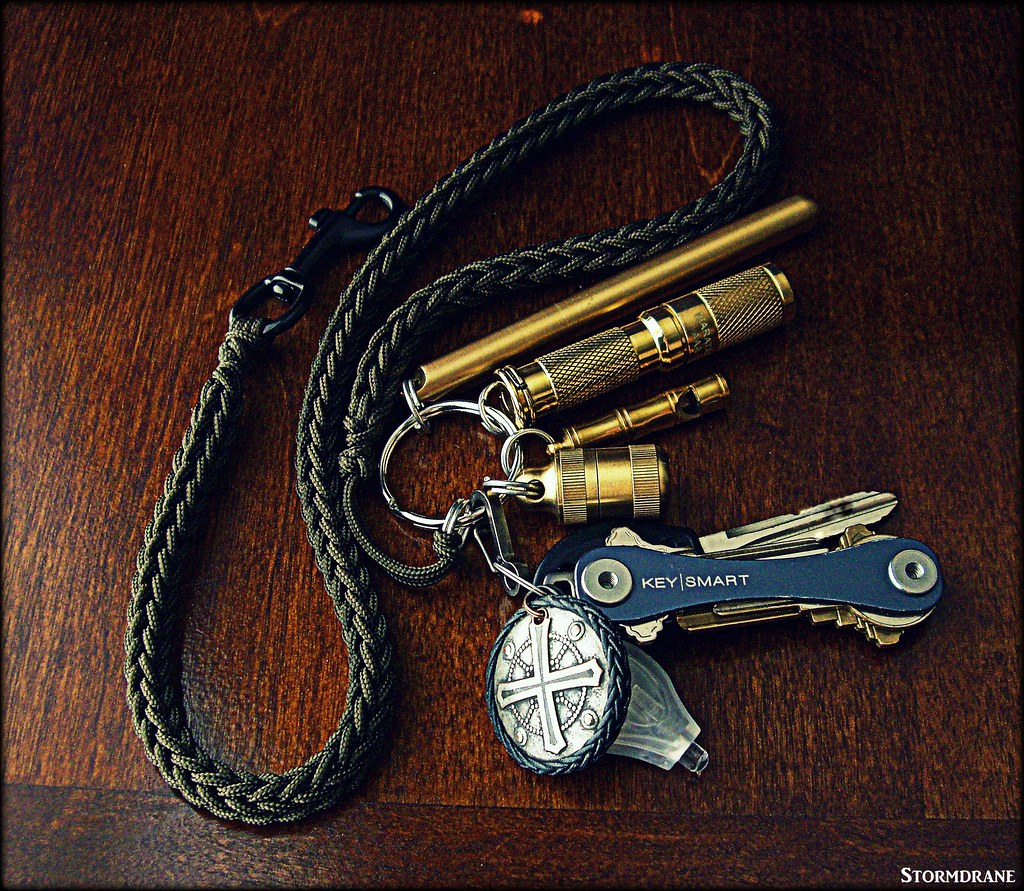 paracord and brass kechain with 95 type i sized paracord flickr
