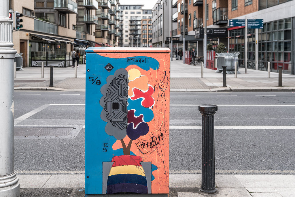 UNCONVENTIONAL PANDORA'S BOX BY NORA RAMPINELLI 001