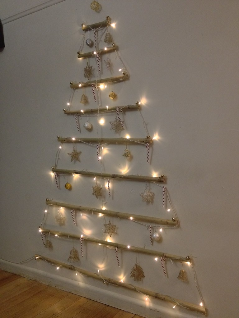 Vianne S Rl 2d Wall Christmas Tree Using Bamboo Fishing