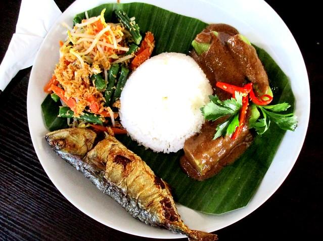 Cafe Ind ikan kembung sumbat