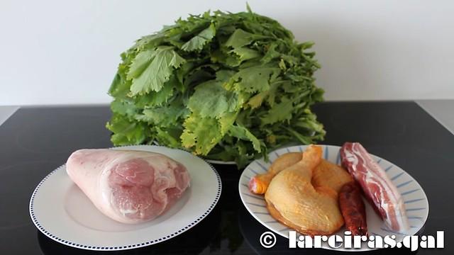 Codillo de cerdo con grelos