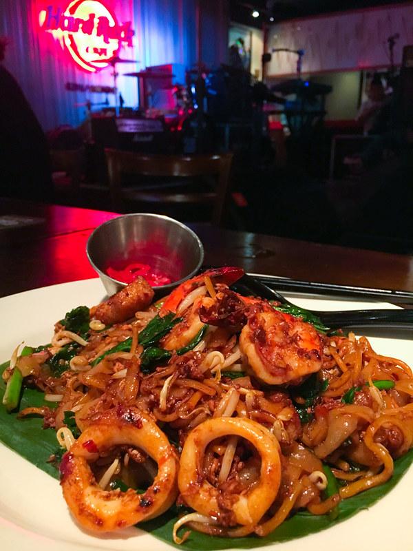 Hard Rock Cafe Kuala Lumpur - World Burger Tour - Char Kway Teow