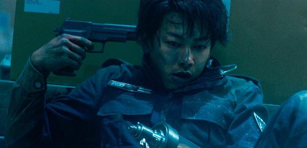 佐藤健「亜人」緊迫のバトル・サバイヴ・サスペンスが禁断の実写化!
