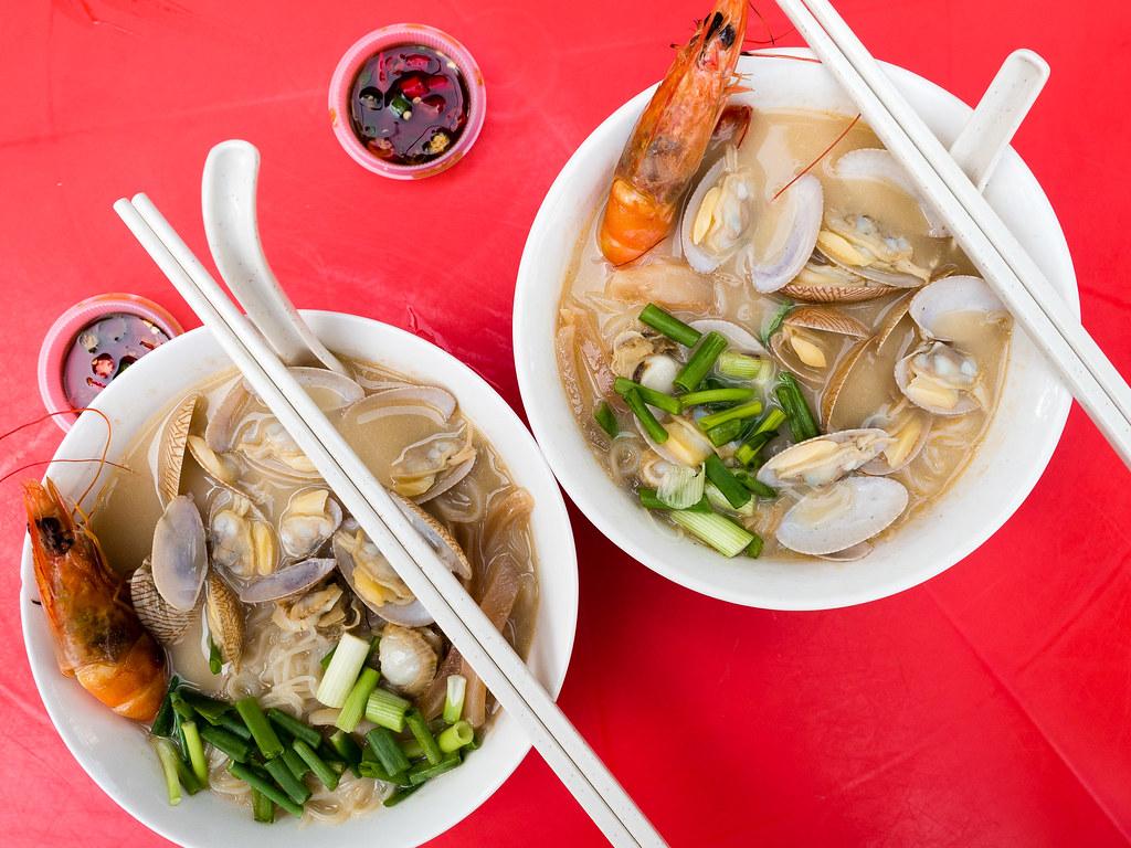 Hennessy XO Seafood noodles at Restaurant Keng Nam Hai.