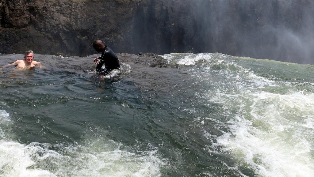 Piscina del diablo cataratas victoria zambia v camilo for Piscina del diablo