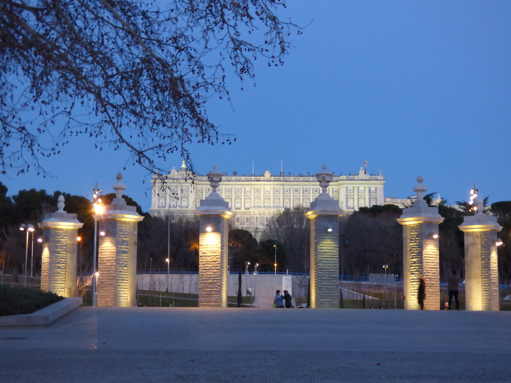 Madrid today monograph of one of the most important - Casa de campo park ...