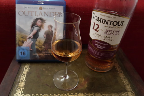 "Single Malt Scotch Whisky (Tomintoul 12 Years Port Wood Finish) zur neunten Folge der Serie ""Outlander"""