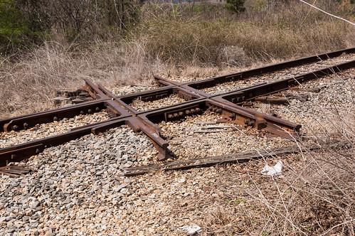 Abandoned diamond crossing