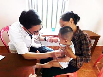 Caritas Phát Diệm mang niềm vui Chúa Phục Sinh đến những người bệnh vùng sâu vùng xa