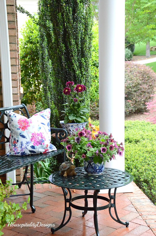 Spring Front Porch 2017 - Housepitality Designs