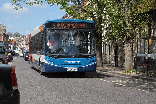 Stagecoach South 27512 GX06DZG