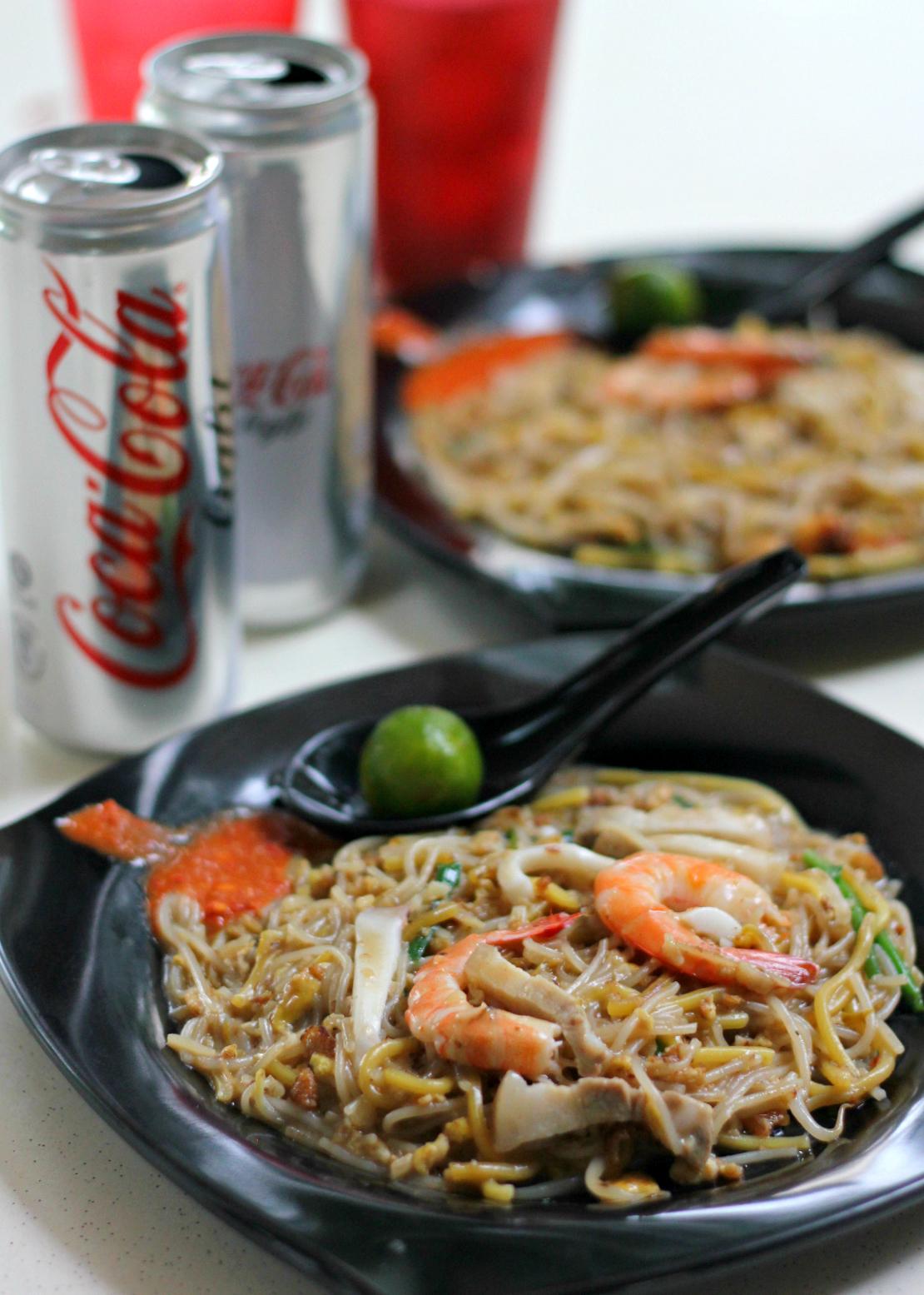 Singapore Street Food: Xiao Di Hokkien Mee Coca Cola