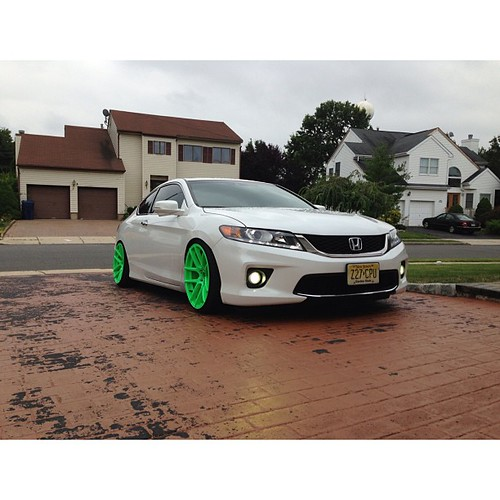 Sawan just hooked up his #2013 #Honda #Accord Coupe with these #Neon #
