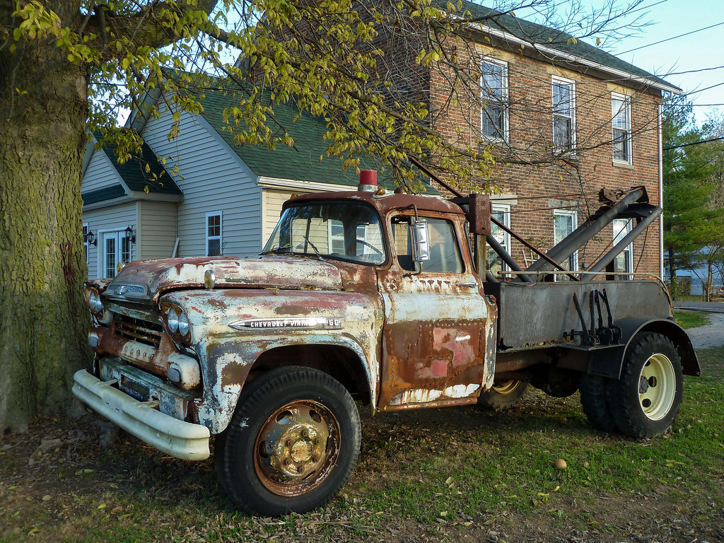 Rusty Old 1959 Chevrolet Viking 60 Tow Truck | Near Mt. Carm… | Flickr