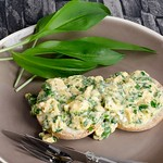scrambled eggs with wild garlic