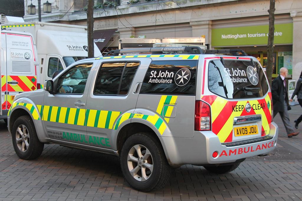 st john ambulance nissan pathfinder response vehicle av09