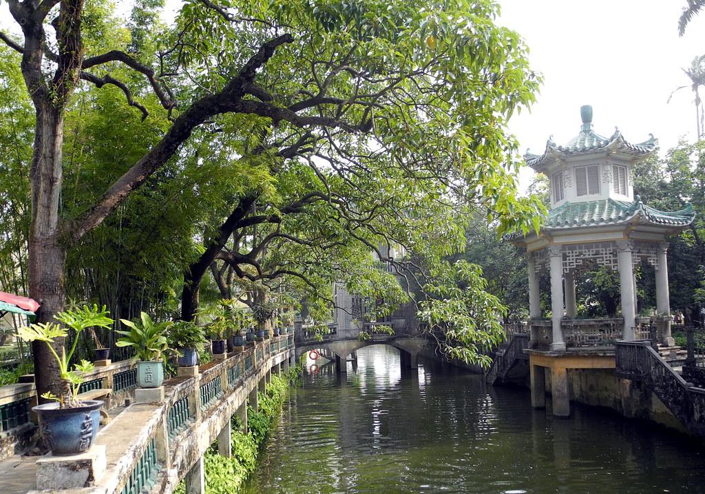 Li Garden, Kaiping, Guangdong, China | Canal said to connect… | Flickr