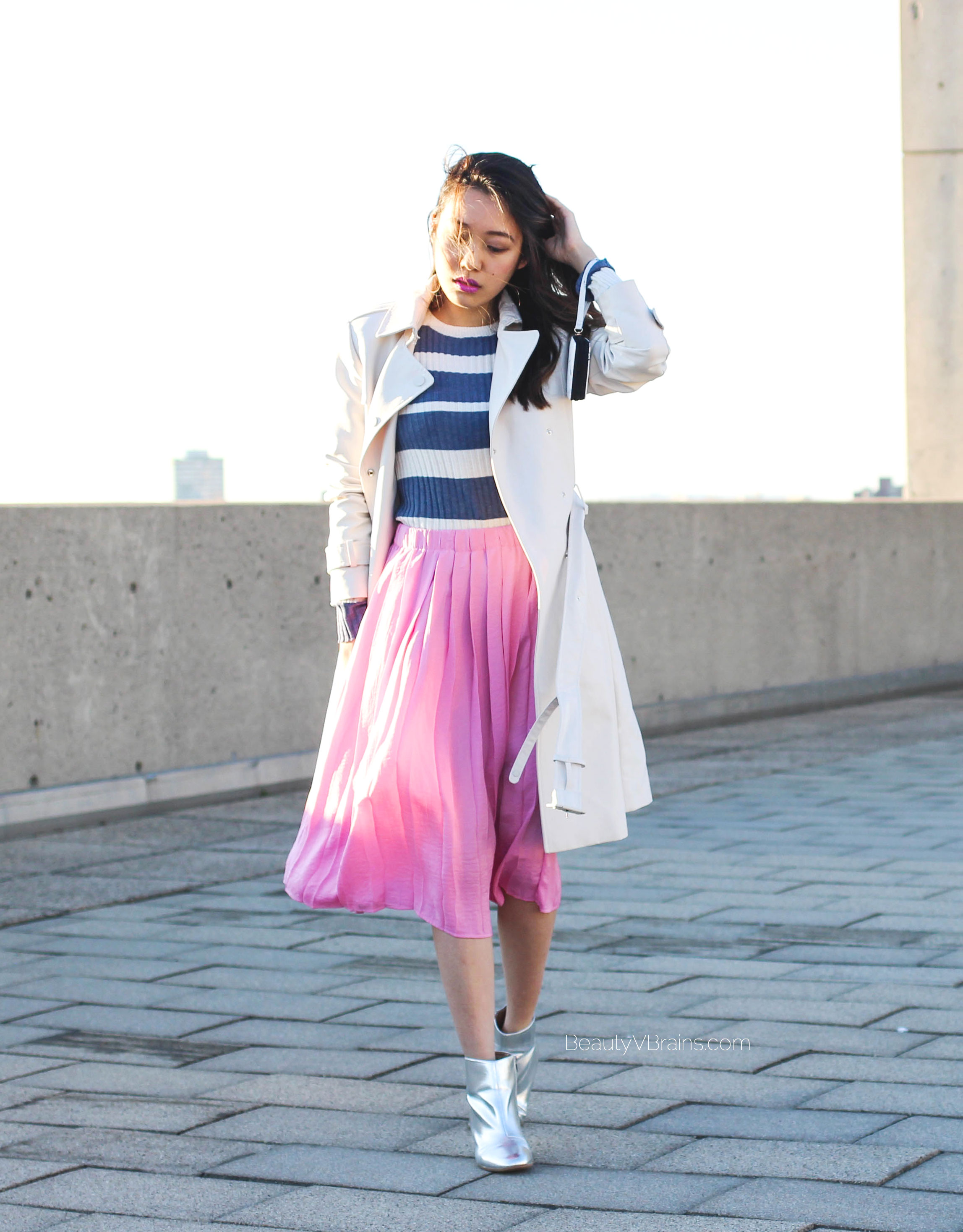 Spring outfit inspo - Pink pleated skirt and striped sweater