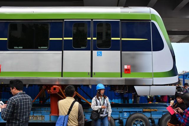 台中捷運綠線電車:車側