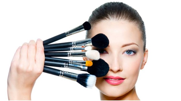 Makeup artist 4