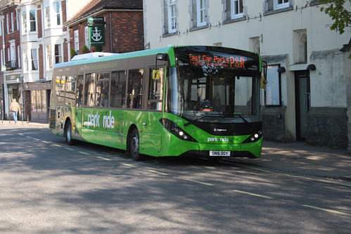 Stagecoach South 26046 SN16OOY
