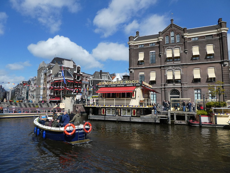 Boat traffic on Amsterdam's Canals
