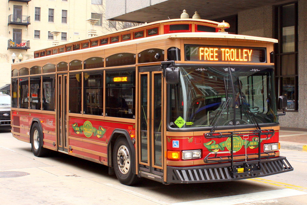 Knoxville Free Trolley No39 Seen along Gay St in downtow Flickr