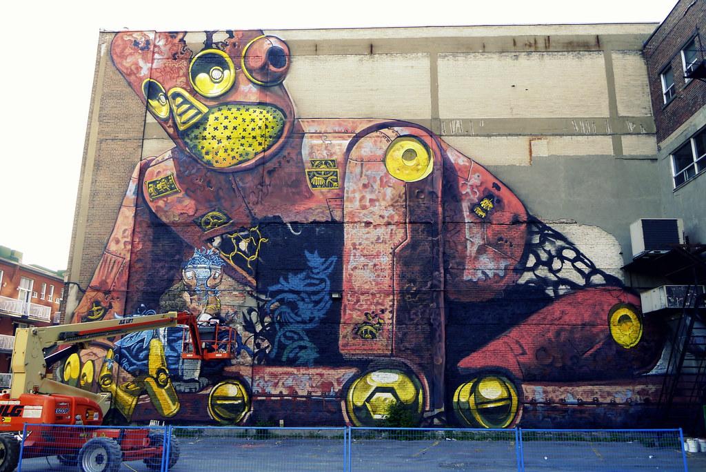 Pixel pancho 2013 festival mural rue clark montr al for Art mural montreal