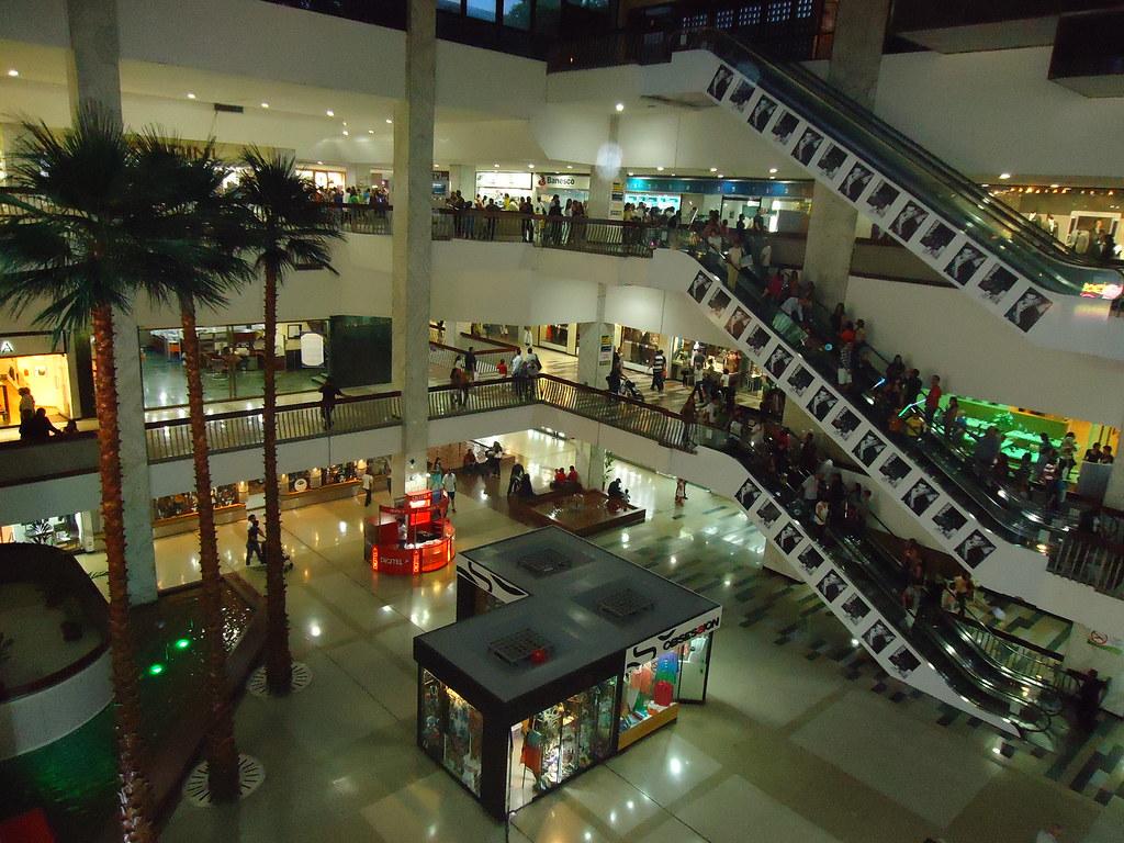 Centro ciudad comercial tamanaco hausof diegoo flickr for B b new york centro