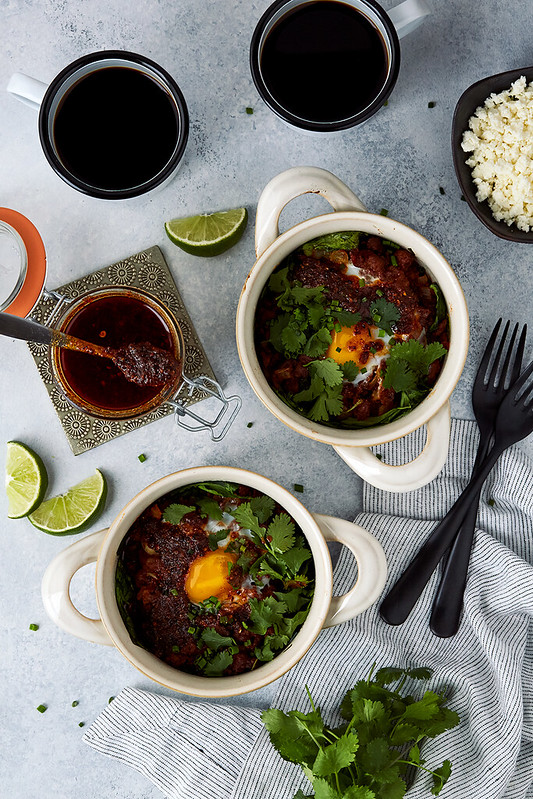 Baked_Eggs_with_Spinach_Chorizo_and_Salsa_Macha