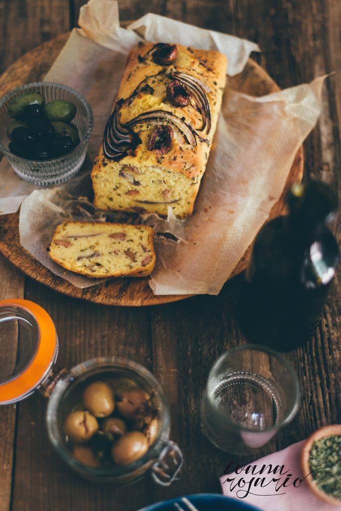 olives, onion polenta and oregano cake