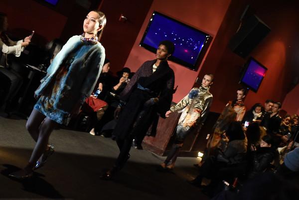1-yuna-yang-newyorkfashionweek-nyfw-nyc-fallwinter2017-runway-couture-fashionshow