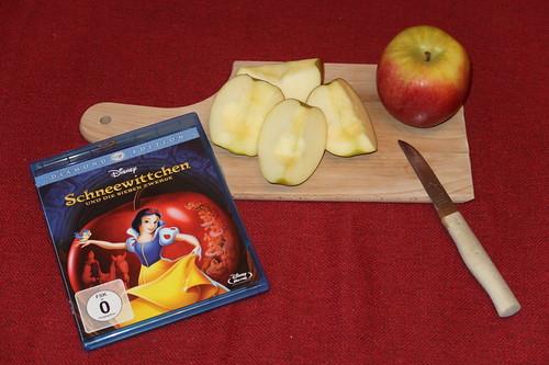 """Aufgeschnittene Äpfel zum Walt Disney Klassiker """"Schneewittchen"""""""