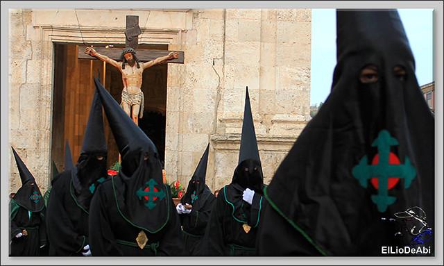 Procesión del Santo Entierro en la Semana Santa de Briviesca 2017 1