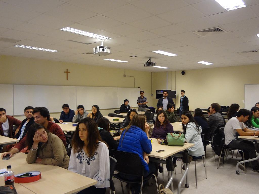 Escuela de Ingeniería Industrial 2016