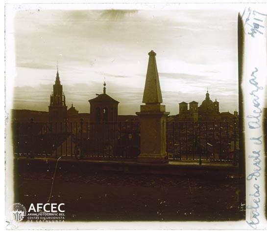 Iglesia de la Magdalena vista desde el Alcázar en abril de 1917. Fotografía de Francesc Blasi i Vallespinosa   © Centre Excursionista de Catalunya